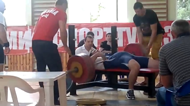 powerlifting-accident1